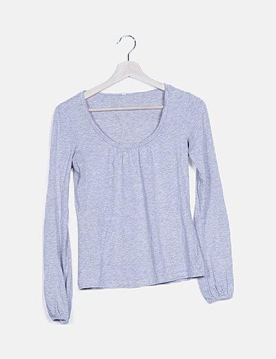 Camiseta fluida gris cuello redondo