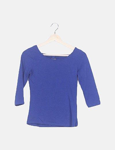 Camiseta azul detalle lazo