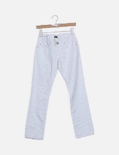 Pantalón pitillo blanco detalle bordado