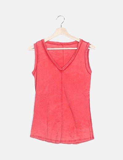 Camiseta roja jaspeada sin mangas