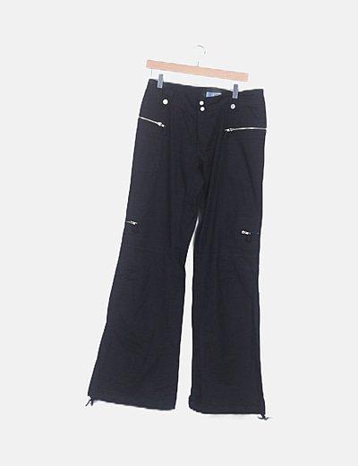 Pantalón fluido negro detalle bolsillos