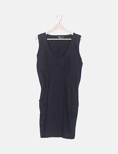 Vestido pichi negro escote pico