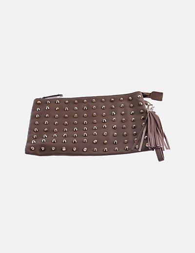 Bolso de mano marrón con strass