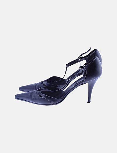 Zapatos negros tacón calado