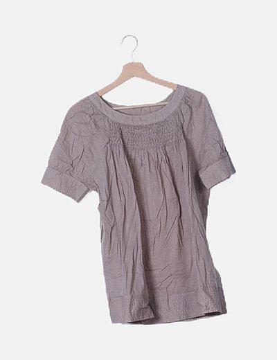 Blusa marrón detalle fruncido