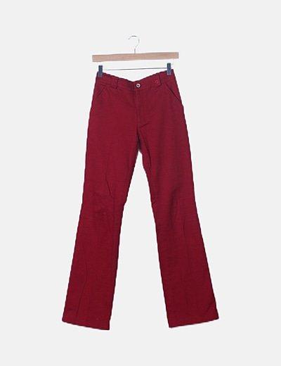 Pantalón rojo corte recto