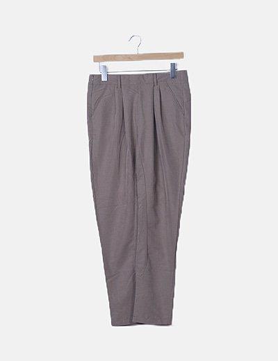 Pantalón pinzas marrón