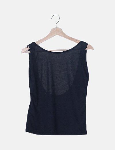 Camiseta fluida negra de tirantes