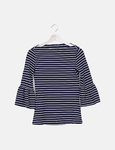 Camiseta azul marino de rayas cuello barco