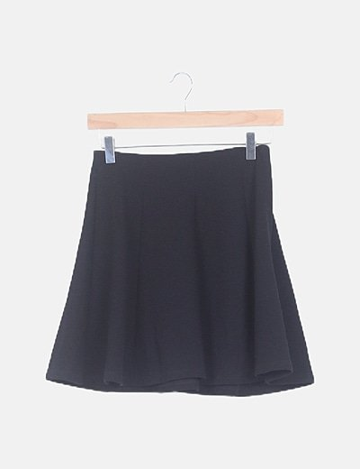 Falda evasé texturizada negra