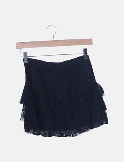 Falda negra de encaje