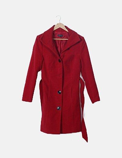 Abrigo largo rojo abotonado
