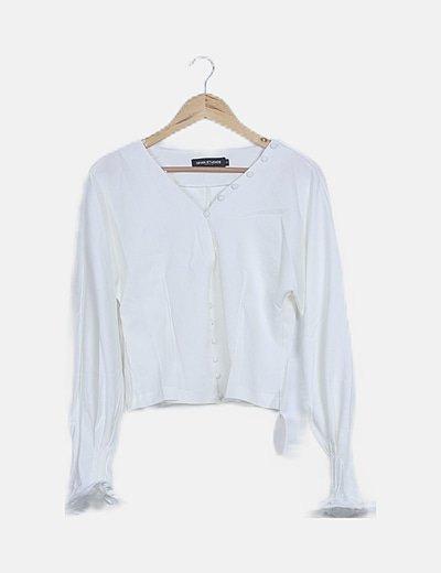 Blusa blanca mangas campana