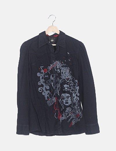 Camisa negra print dibujo