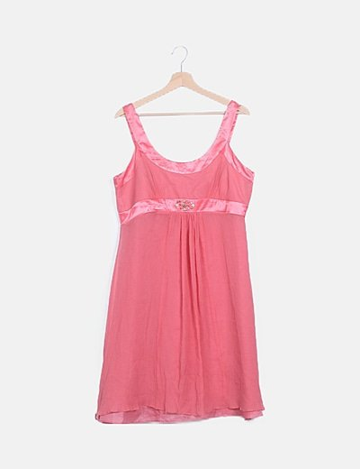 Vestido rosa detalle tachas