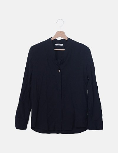 Camisa fluida negra detalle nudo