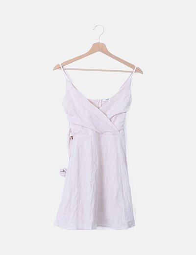 Vestido escote pico rosa nude