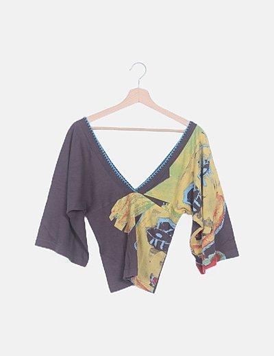 Camiseta marrón estampada manga murciélago
