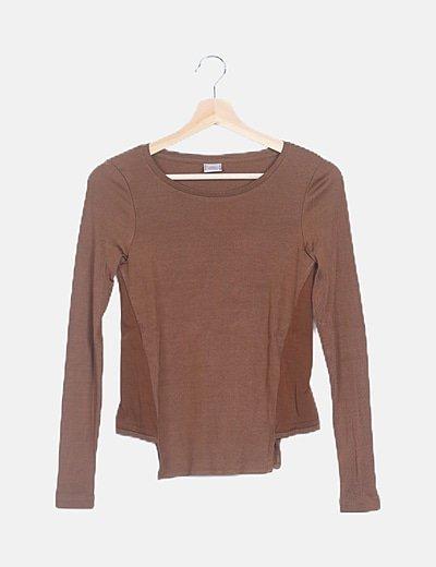 Camiseta camel irisada