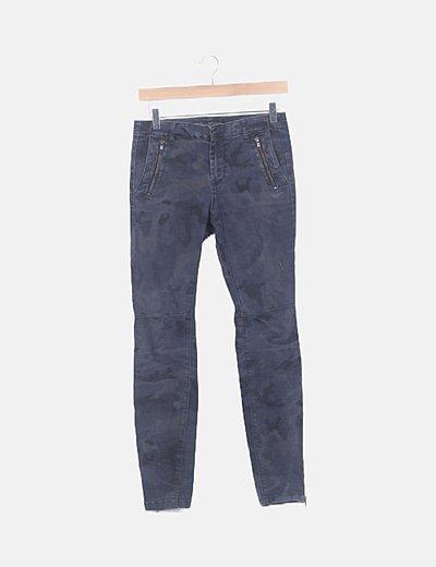 Jeans gris estampado militar