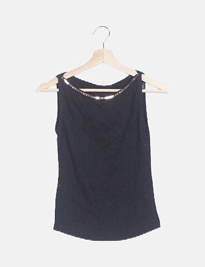 Camiseta negra detalle paillettes