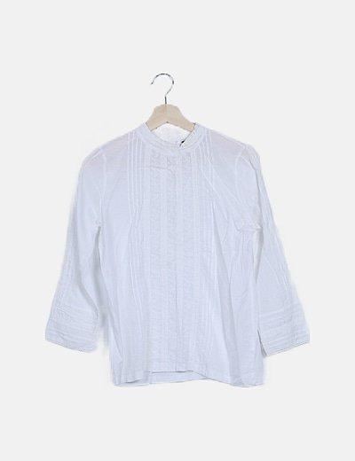 Blusa blanca detalles bordados