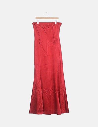 Vestido satinado rojo palabra de honor