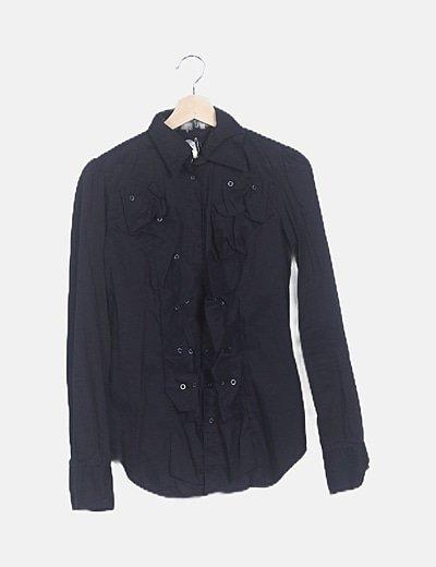 Camisa negra con bordado