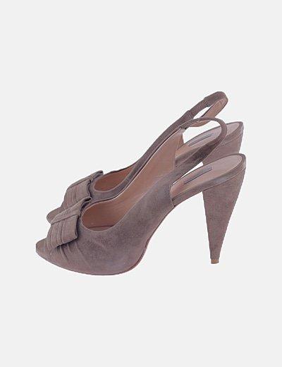 Zapato marrón peep toes