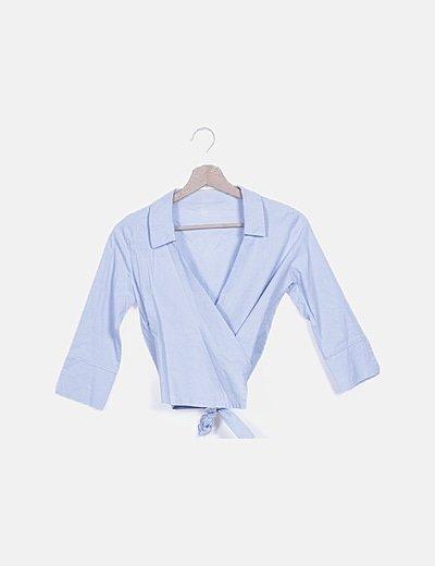 Blusa cruzada azul