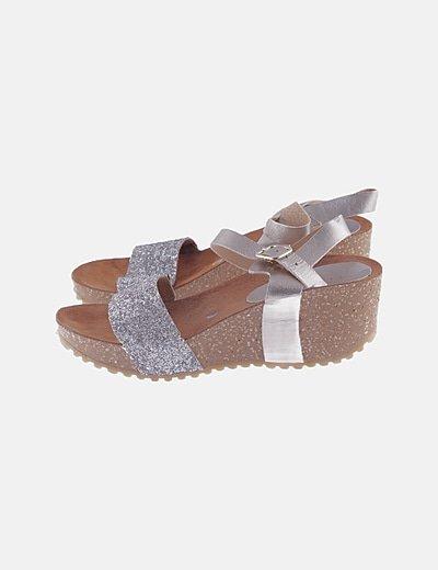 Sandalia glitter plateada