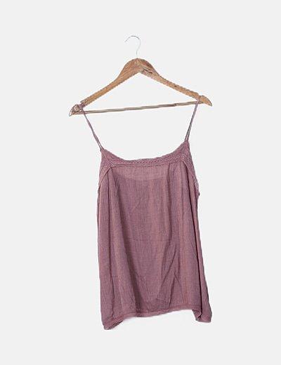 Blusa fluida rosa detalle crochet