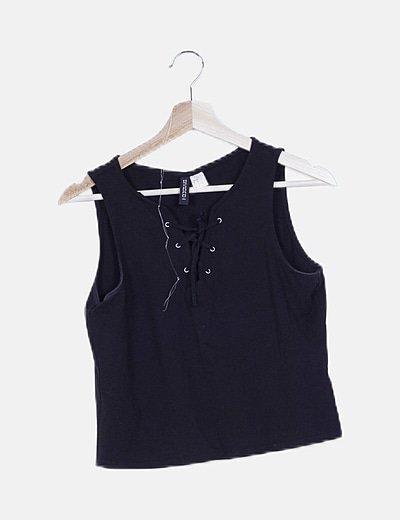 Camiseta lace up negra