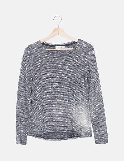 Suéter gris jaspeado