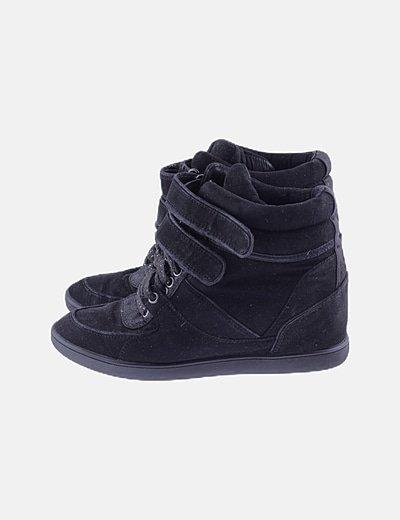 Sneaker cuña negra cordones glitter