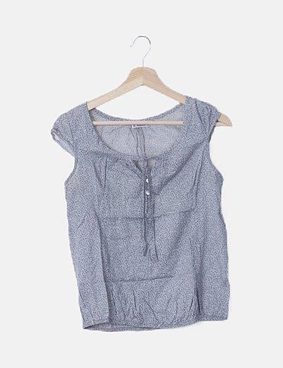 Blusa gris print azul