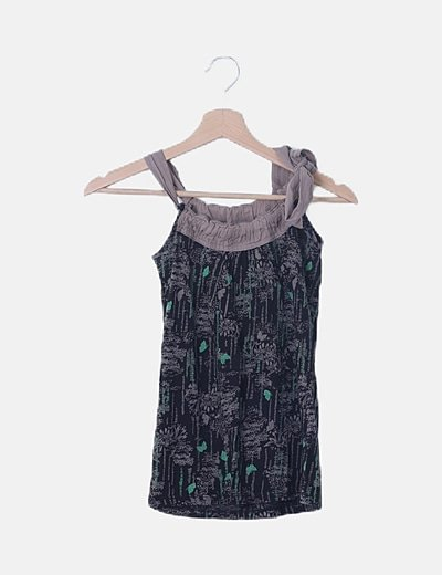 Blusa negra print mariposas detalle lace up