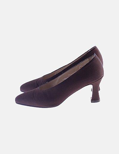 Zapato salón marrón