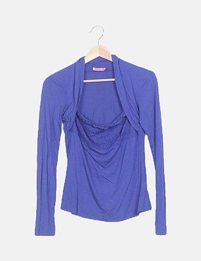 Camiseta azul con elástico