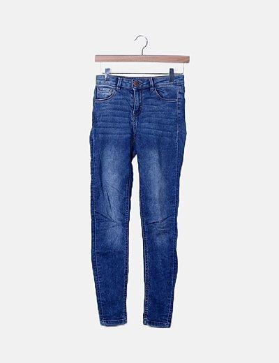 Jeans denim azul oscuro efecto desgastado