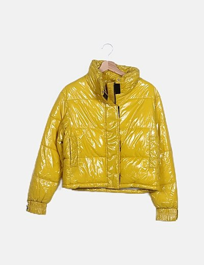 Plumífero amarillo impermeable