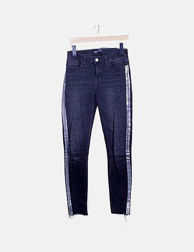 Jeans negros banda lateral plateada