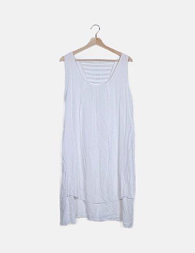 Vestido fluido blanco detalle espalda