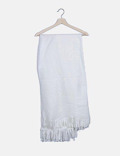 Bufanda blanca flecos