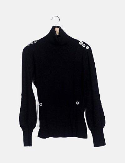 Jersey negro cuello alto detalle botones