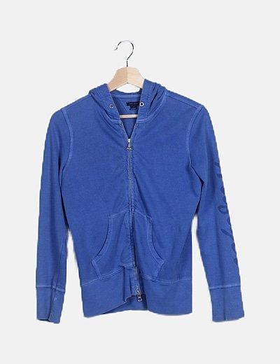 Chaqueta azul klein con cremallera