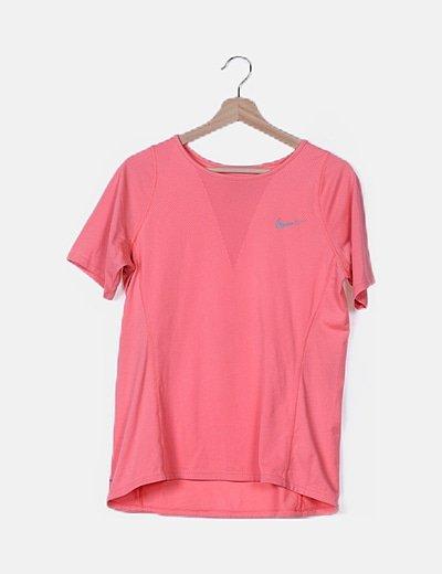 Camiseta deportiva rosa flúor