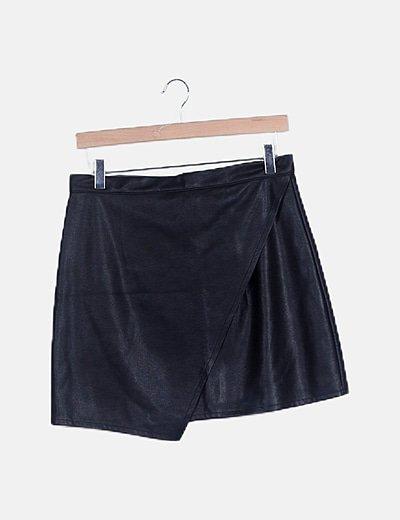Falda mini negra encerada