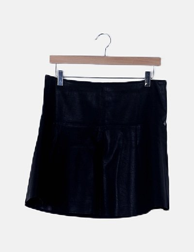 Falda peplum polipiel negra