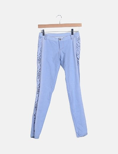 Jeans denim azul lateral crochet